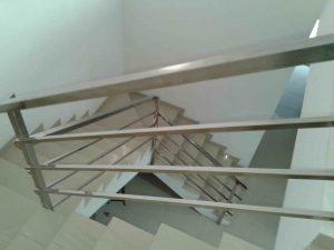 model-railing-stainless-tangga-minimalis